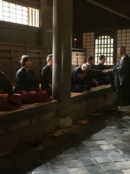 禅寺で修行体験