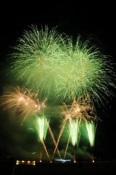 新居浜市制施行80周年記念 第60回にいはま納涼花火大会