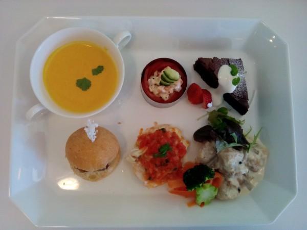 真夏~初秋の料理講座「洋食屋さんのワンプレートランチ」inヨンデンプラザ松山