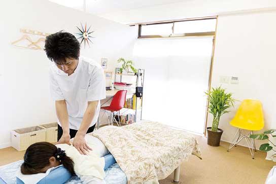 背骨を優しく揺らす施術 DRT療法を導入!
