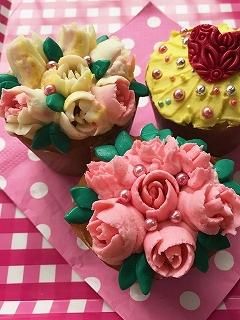 バレンタインに贈る~お花のカップケーキ~