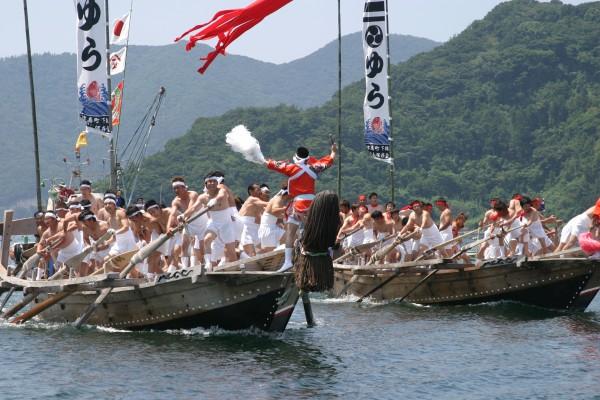 由良神社裸まつり・和舟競漕