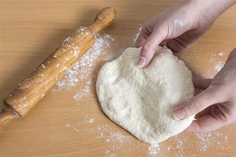 ファミリー★無料★7月の料理講座「生地をこねて簡単オリジナルピザを作ろう」inヨンデンプラザ松山