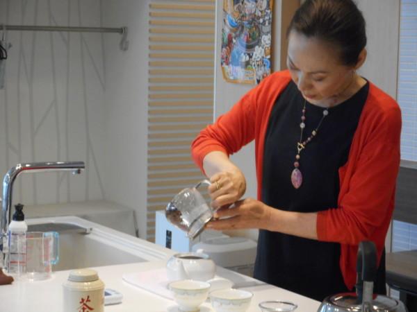 1月の講師カルチャー講座「癒しのティータイム ~紅茶を美味しく淹れましょう~」inヨンデンプラザ松山