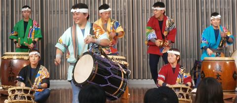 和太鼓集団「鼓太朗」による新春祝い打ち
