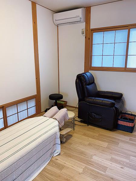 自宅での出張施術も可能な整体院
