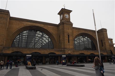 イギリス・ロンドンの駅 写真展