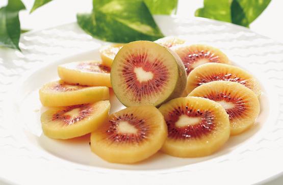 希少な「レインボーレッド®キウイ」など秋冬果実の販売開始