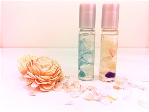 お花と天然石のロールオンアロマ