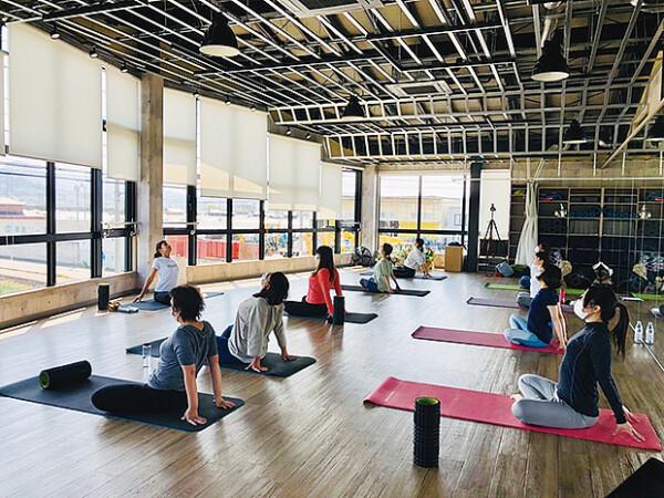 yoga studio COLMAD