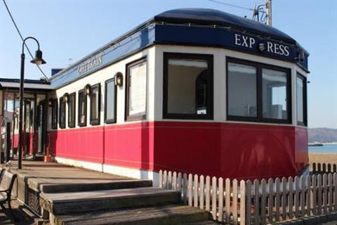 カフェトレインベイサイドde愛イベント Vol.1 ~ 電車の窓辺でサンセットを眺めながら ~