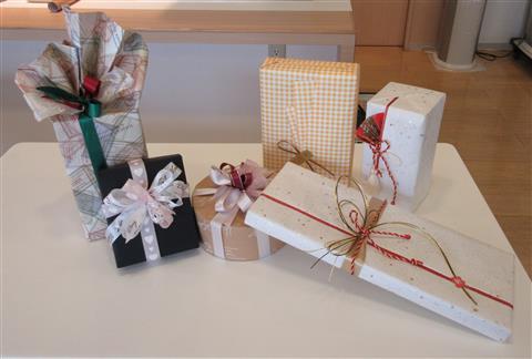 カルチャー講座「基本のラッピングを学ぼう~プレゼントを華やかに~」inヨンデンプラザ松山